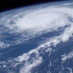 【台風前にこれを見れば安心】ガレージシャッター・看板・店舗用オーニングテントの台風対策と修理箇所 総まとめ